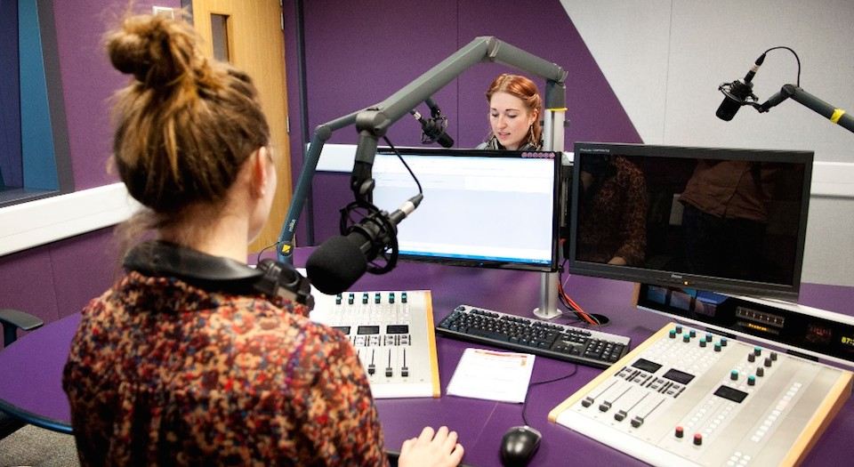 Radio Studio2_carousel