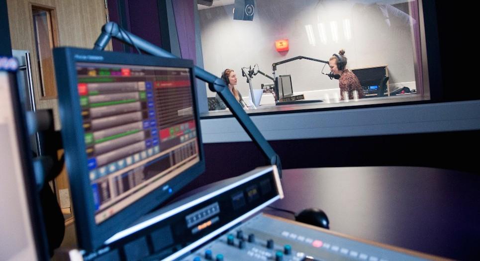 Radio Studio3_carousel