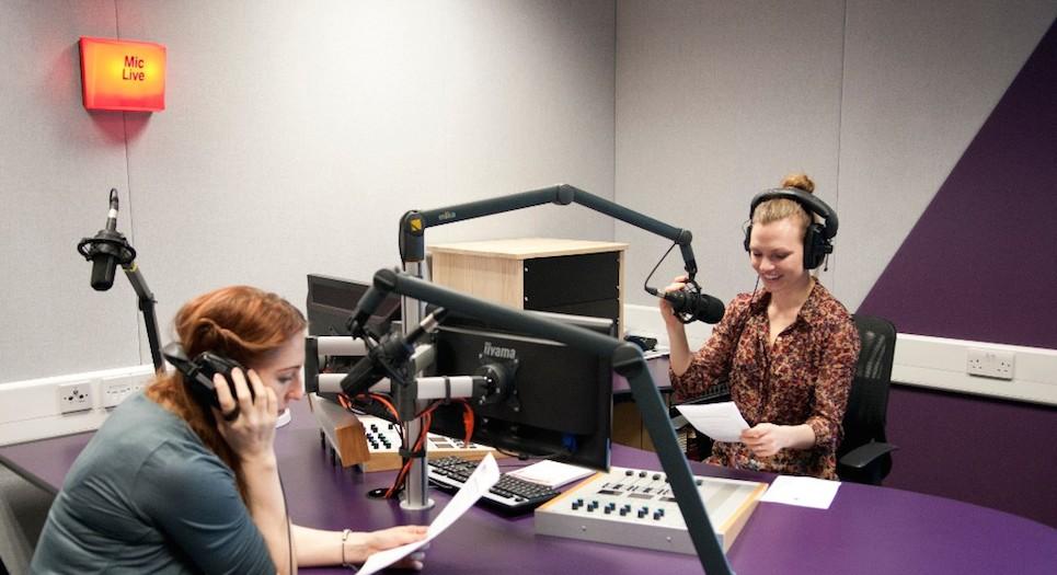 Radio Studio1_carousel