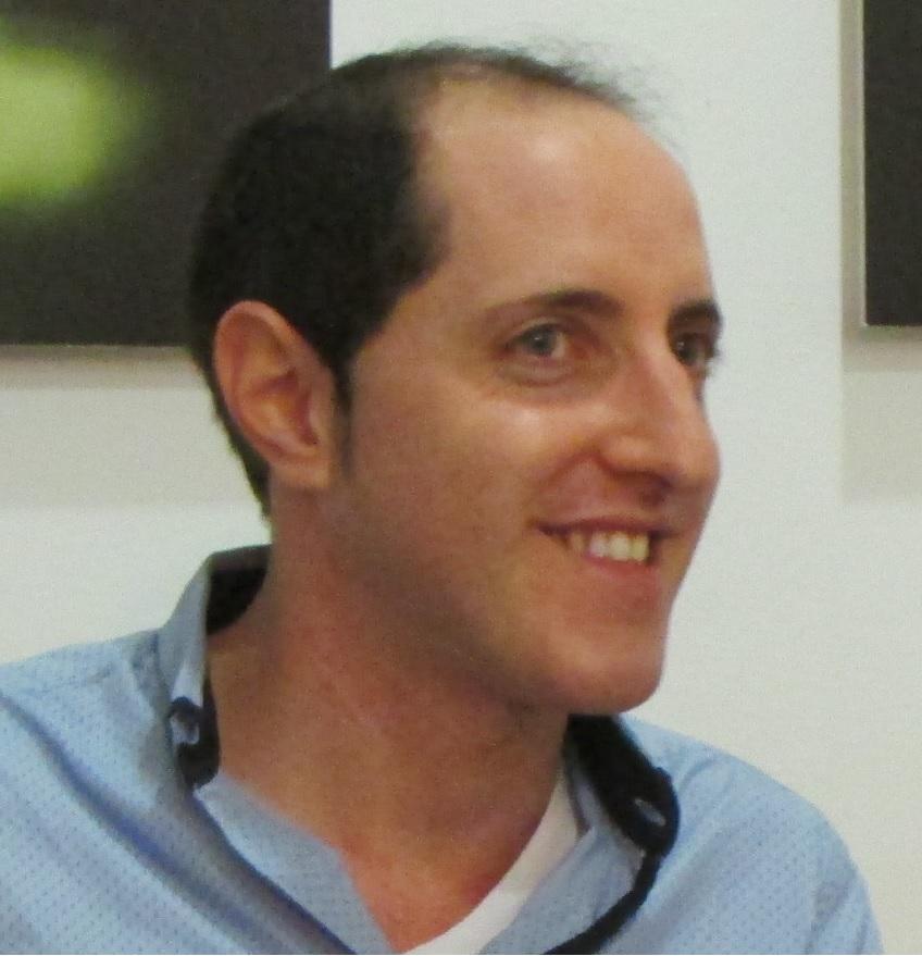 Dr Daniel Ozarow