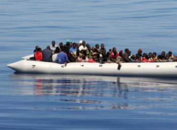 Migrant boat_thumb.jpg
