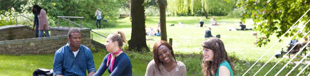 Middlesex University Summer School students enjoy a break from their studies