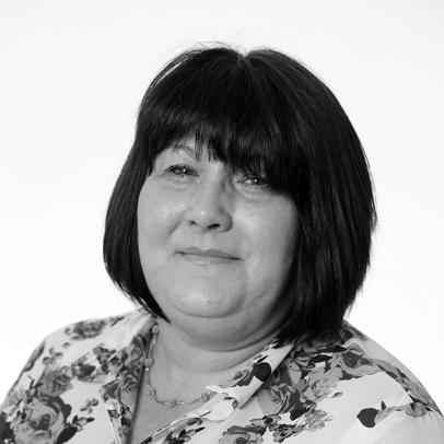 Ms Lesley Davies