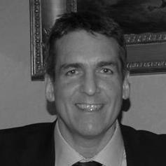 Dr Darryll Bravenboer