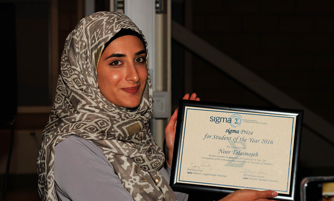 Noor Talaimojeh with her Student of the Year award