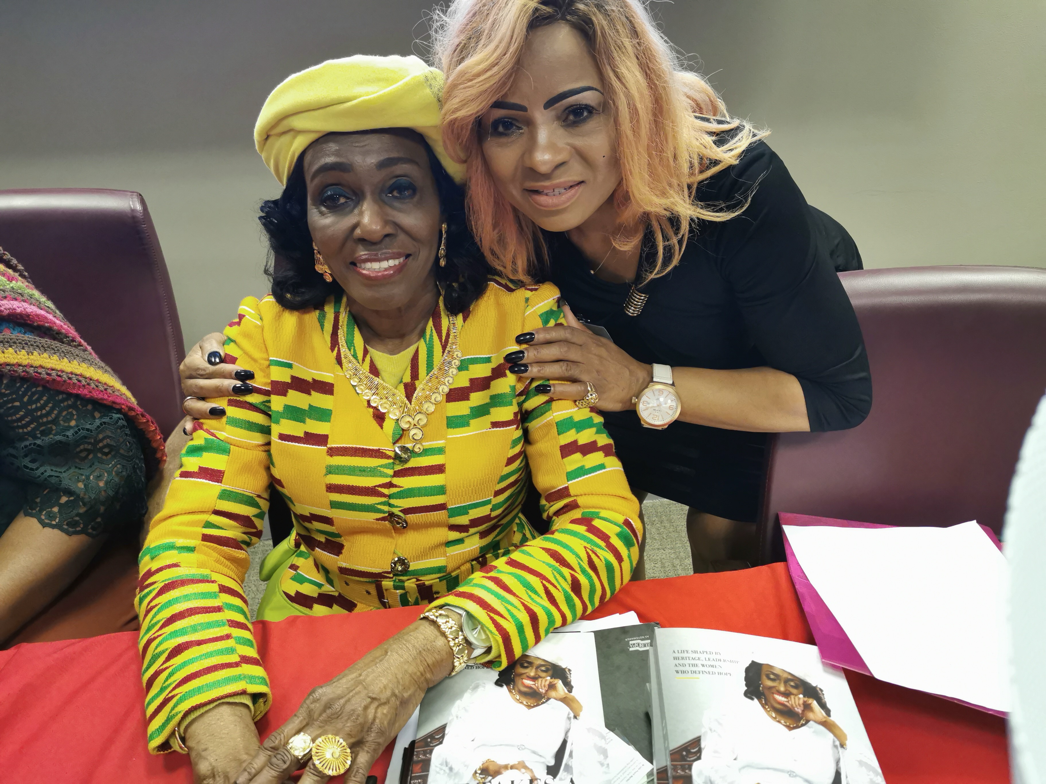 Nana Rawlings with Doirean.jpg