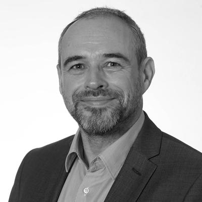 Dr Simon McCarthy