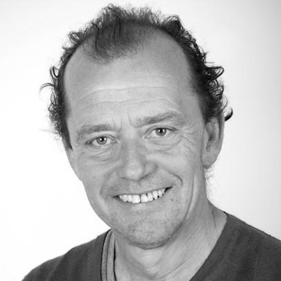 Mr Des Truscott